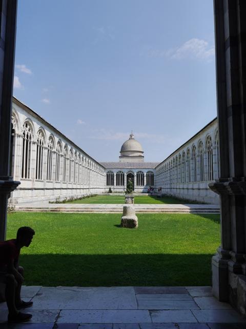 Le jardin central du Campo Santo