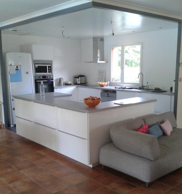 Et voilà la cuisine fin août 2014 - Manque donc la verrière et le plan de travail pour les repas.