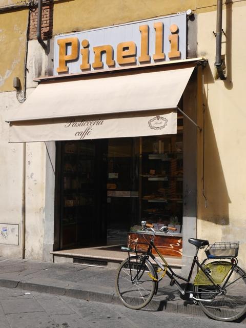 La fameuse pâtisserie Pinelli à Lucques