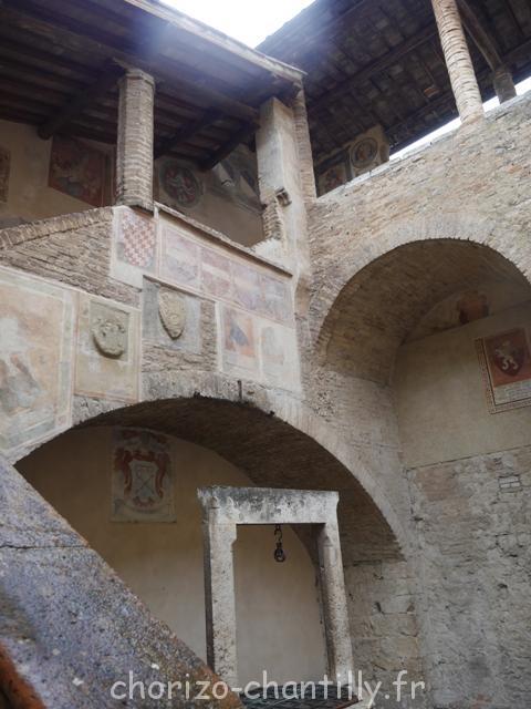 Cour du Palazzo Comunale de San Gimignano