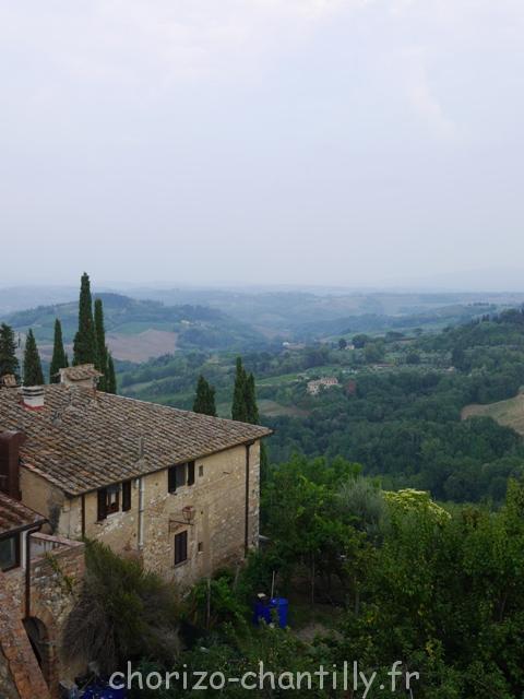 Point de vue sur les paysages toscans depuis San Gimignano