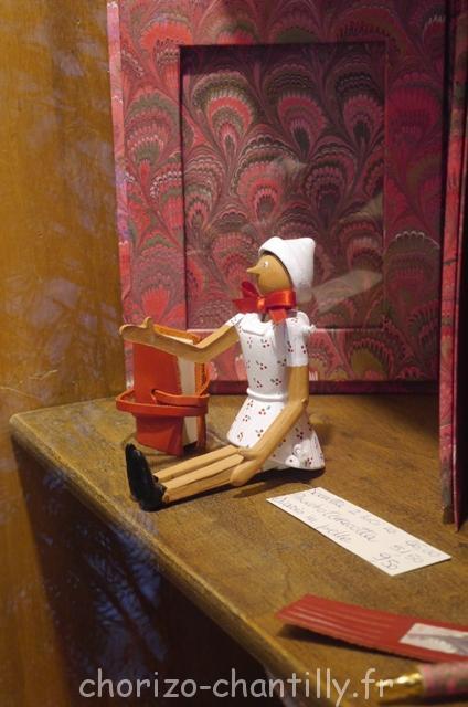 boutique papier Florence figurine bois typique