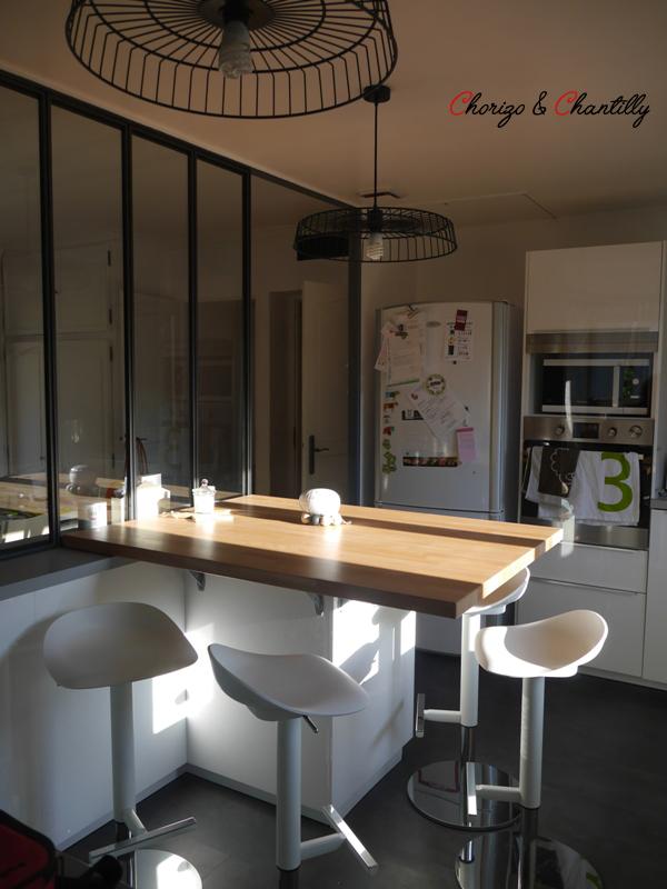 Cuisine et Tabouret Ikea - Verrière posée par Paradis en Fer (69) - Suspensions Home Made
