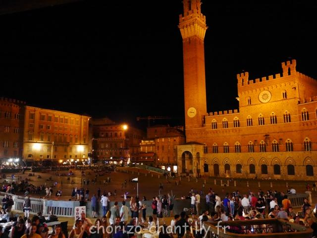 Place Sienne nuit