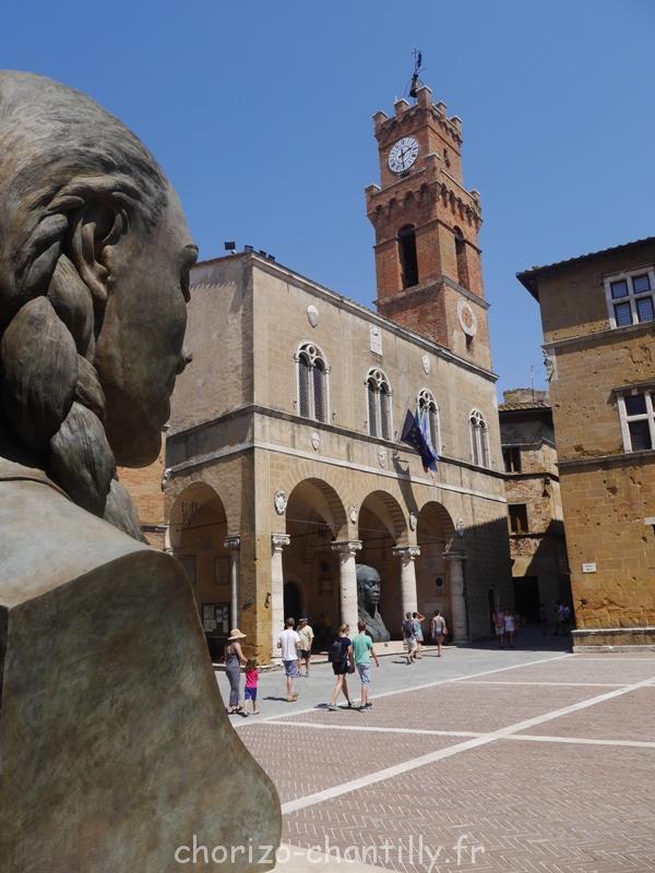 place pienza Toscane exposition sculpture italie Helga Vockenhuber