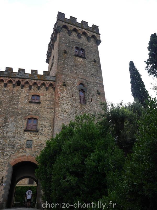 Chateau vers Fezzana Toscane Italie